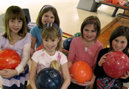 kids-bowling